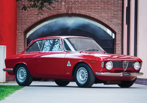 Alfa Romeo Giulia Bertone GTA